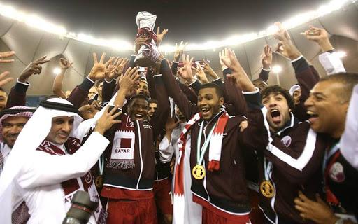 jogar futebol no Qatar