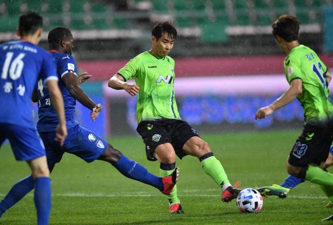 jogar futebol na Coreia do Sul